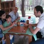 Настя Моргун с отцом и дочкой